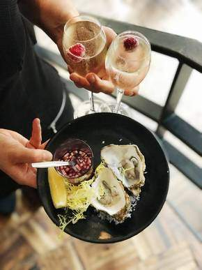 Oesters oysters Bistro Brasserie Bleu Amsterdam Welcome