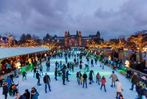 Ice skating rink Museumsquare (museumplein) - Amsterdam Welcome