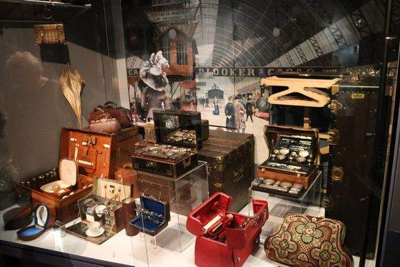 Museum of Bags and Purses (Tassenmuseum) Amsterdam Welcome