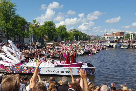 Gay Pride canal parade - Amsterdam Welcome